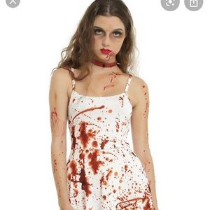 🧛‍♂️ Hot Topic Bloody Dress 🧛‍♂️